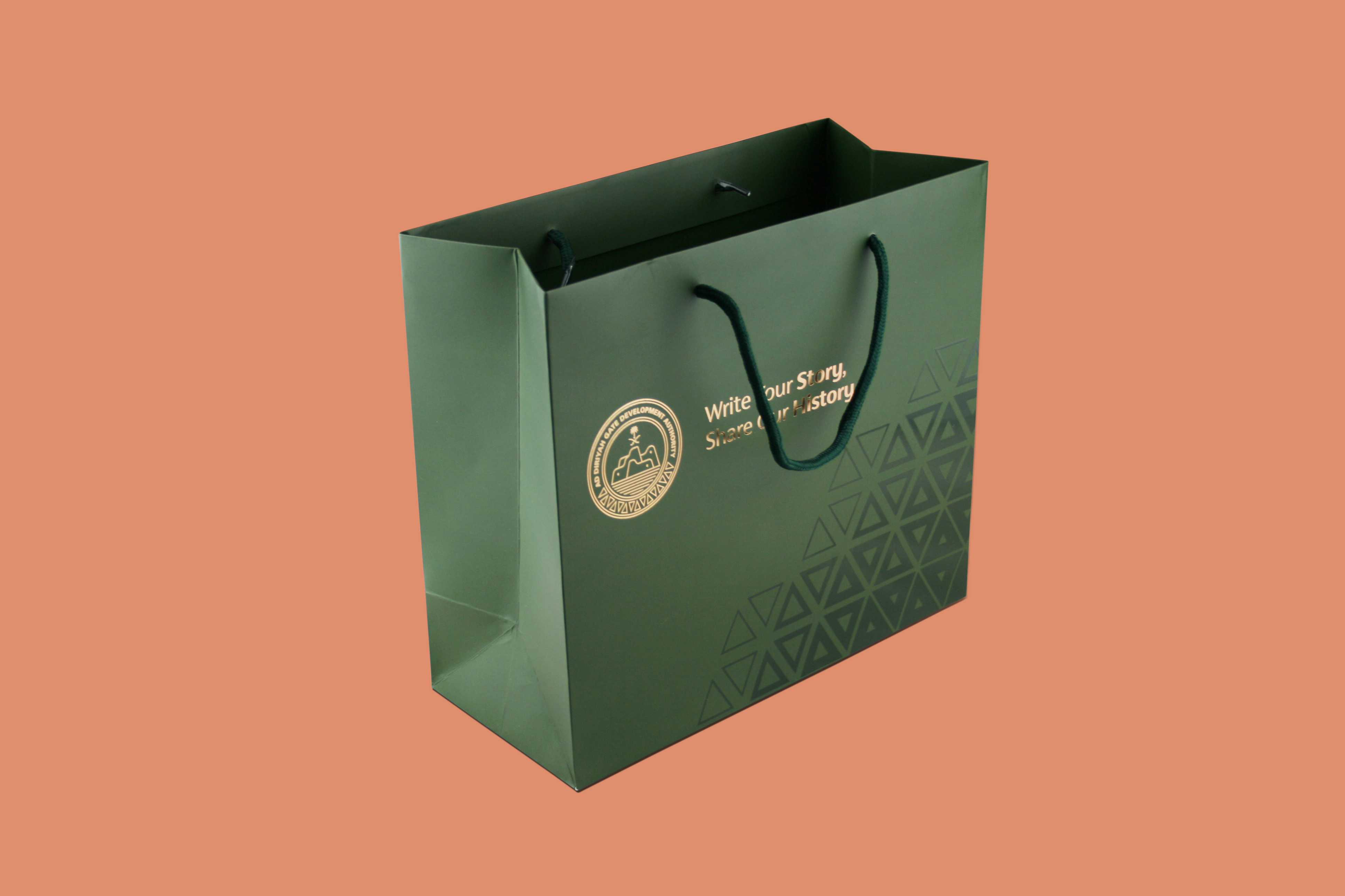 Medium Size Bag With Special Color and Foiling